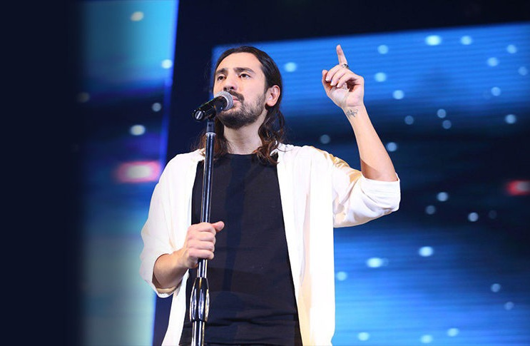 دانلود آهنگ جدید امیر عباس گلاب مثل فرشته ها Mp3