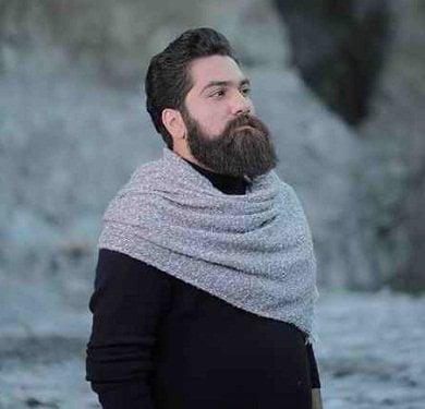 علی زند وکیلی لالا کن دختر زیبای شبنم لالا کن روی زانوی شقایق