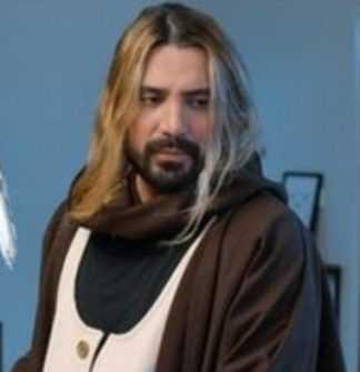 امیر عباس گلاب به هرکس میرسم